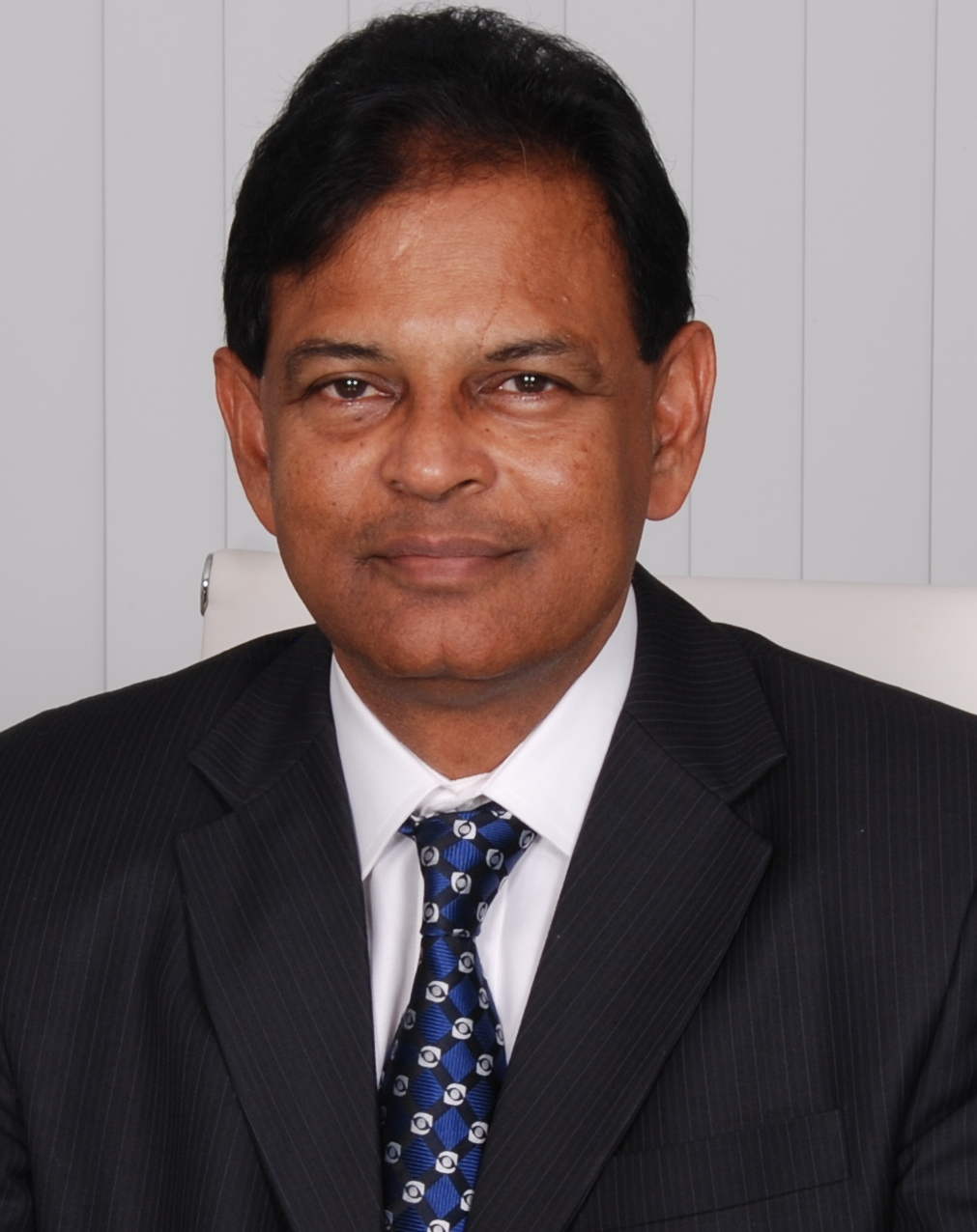 Dr. Kasu Prasad Reddy Chief Surgeon and Founder MaxiVision Eye Hospitals, Hyderabad
